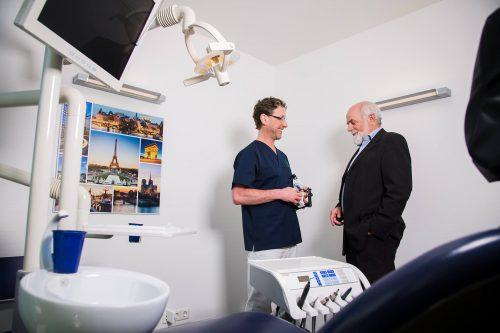 Beratung und Diagnose Parodontitis